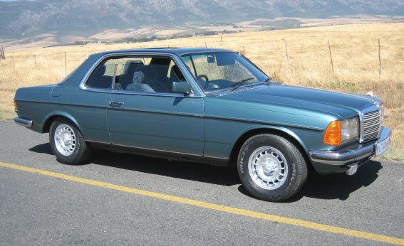 Mercedes_Benz_82_280CE_Coupe_Green_ssf11.jpg